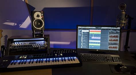 Home Recording Studio : 10 Accessories For Your Home Studio