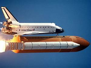 News Headlines Of US: Space shuttle Atlantis stands at launch