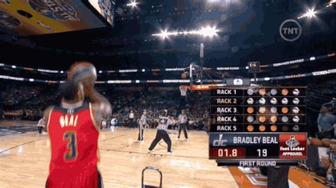 video nelly  nuts  bradley beal scores