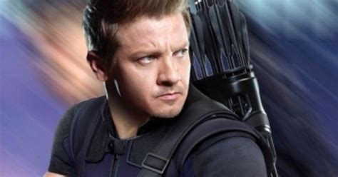Why Hawkeye Missing From All Infinity War Trailers