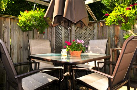 4 simple ways to decorate your patio ohmyapartment