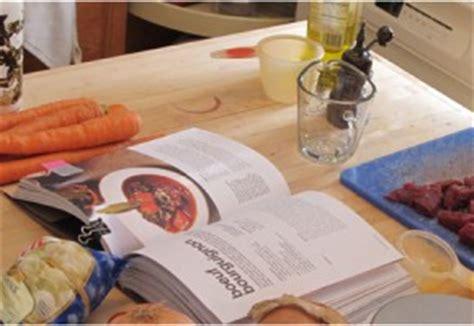 cuisiner un faisan en cocotte recette cocotte en fonte et plat en mini cocotte individuelle