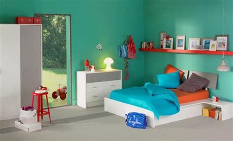 chambre mansard馥 peinture peinture chambre bébé mansardée chaios com