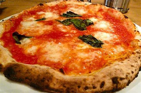 cuisine italienne pizza cuisine italienne cuisine italienne risotto avec le poulpe escalopes milanaise spaghettis