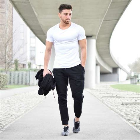 What to Wear to the Gym   The Idle Man
