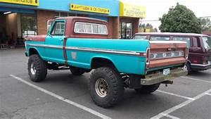 1972 Ford F250 4x4 Highboy Truck