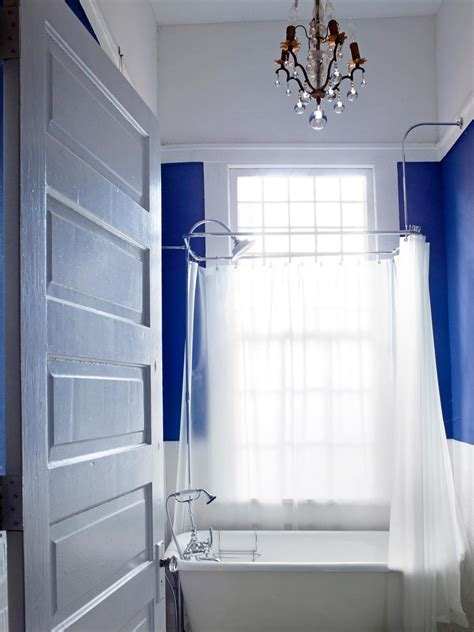 small bathrooms decorating ideas small bathroom decorating ideas hgtv