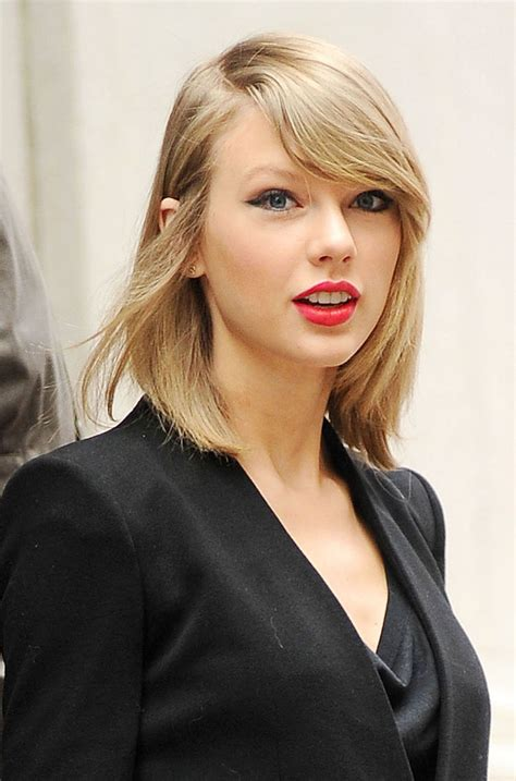 taylor swift leaves   york apartment hawtcelebs