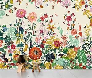 Jardin panoramic wallpaper cream garden by domestic for Chambre bébé design avec poster fleurs exotiques