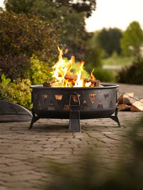 lowes outdoor pit 15 patio sized pits and water features hgtv 7279