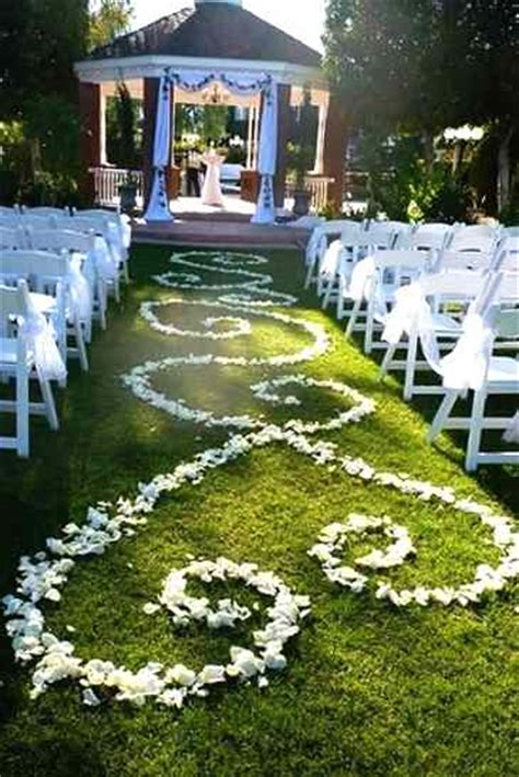 applying tale wedding in your gazebo decoration