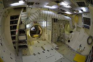 Inside Space Shuttles - Pics about space | Space Vehicles ...