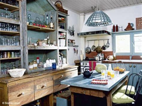 cuisine style fermette cuisine ancienne pour un intérieur convivial et chaleureux