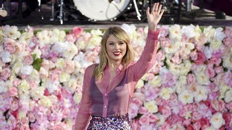 Secrets Behind Taylor Swifts New Lyrics Chronicle