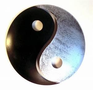 Metall Sonne Für Hauswand : atelier akara wanddekoration yin und yang schwarz silber metall ~ Whattoseeinmadrid.com Haus und Dekorationen