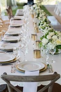 Tisch Blumen Hochzeit : hochzeit fr hling tischdeko langer tisch goldene akzente wei e blumen hochzeit pinterest ~ Orissabook.com Haus und Dekorationen