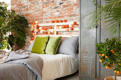 plantes dépolluantes chambre à coucher plante dans une chambre swyze com