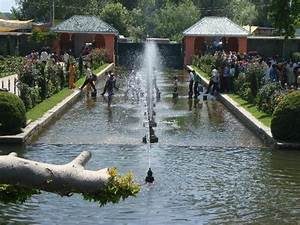 SHALIMAR GARDEN - Picture of Kashmir Valley Travels Day ...