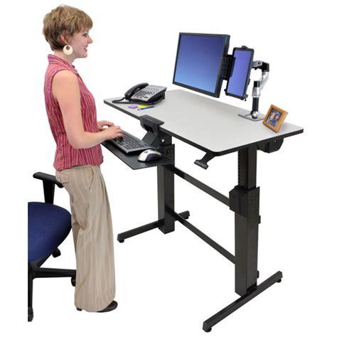 bureau poste de travail ergotron workfit d bureau assis debout meuble ordinateur