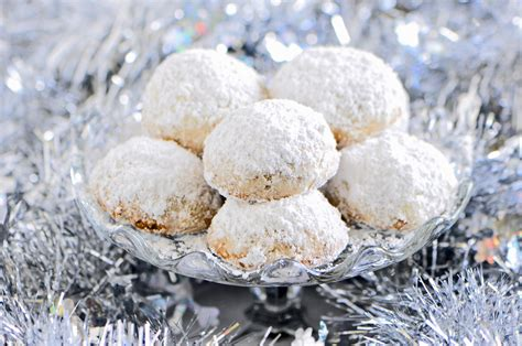 Add the flour and almonds, mix until blended. Christmas Cookie Countdown and Mexican Wedding Cookie Recipe : Sifting Focus