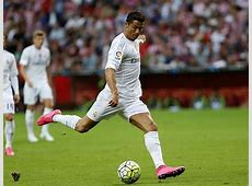 Real Madrid Ronaldo, a shooting star just missing a goal