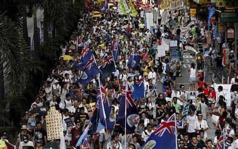 hong kong democracy campaigners demand return  british rule   step  independence
