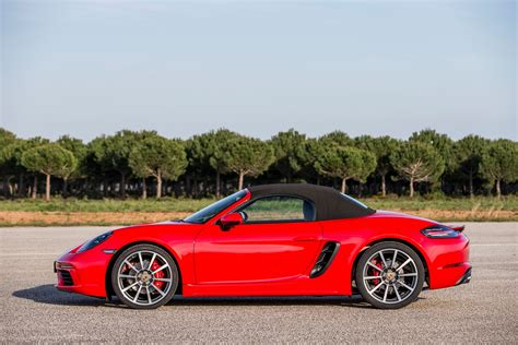 porsche boxster 2017 porsche 718 boxster fully revealed with turbo flat