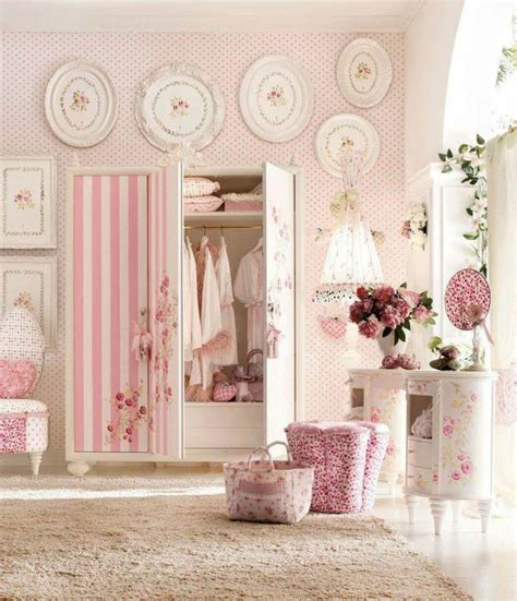 Vintage / Shabby Chic Bedrooms