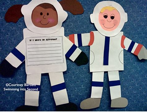 astronaut crafts for preschool amazing astronauts swimming into second 709