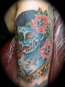 Kike Castillo - zombie pin up traditional tattoo