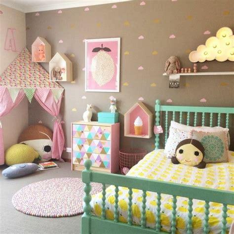 Wandgestaltung Kinderzimmer Bett by Wandgestaltung Babyzimmer M 228 Dchen