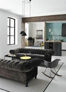 le canape capitonne en 40 photos pleines d39idees With couleur qui va avec le gris clair 2 le canape poltronesofa meuble moderne et confortable