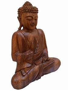 Escultura de Buda Orando em Madeira - Arte & Sintonia