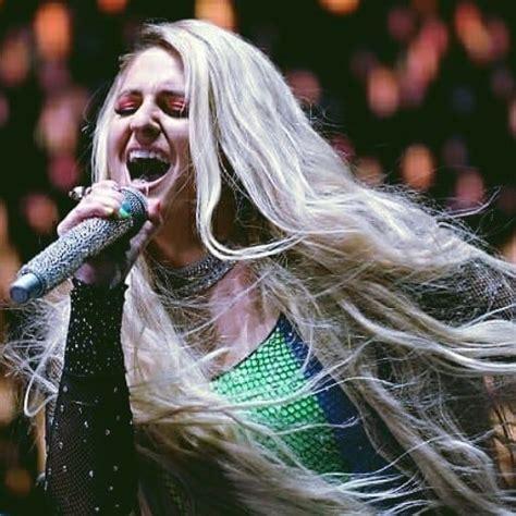 Meghan Trainor en concert à Los Angeles pour la LA Pride ...