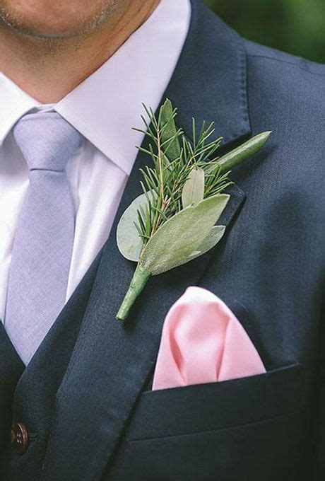 boutonnieres   fall wedding grooms  groomsmen