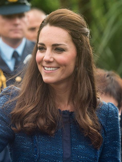 kate middleton   zealand rain perfect hair makeup