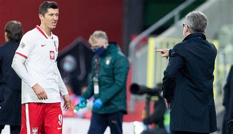 Eine mehrwöchige verletzungspause von robert lewandowski bereitet dem fc bayern sorgen für die womöglich entscheidenden saisonwochen. FC Bayerns Robert Lewandowski verletzt? Polnischer Verband klärt auf