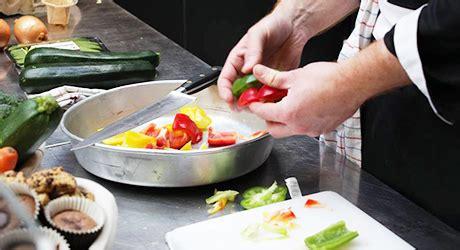 commis en cuisine fiche de poste du commis de cuisine commise de cuisine