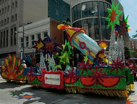 68 Best Parade Floats Images On Pinterest