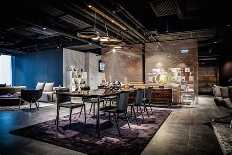 New Beginnings For B&b Italia And Colourliving