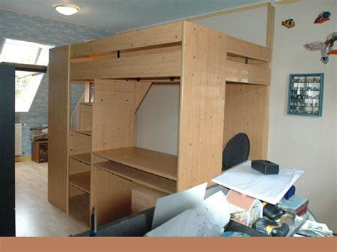 lit mezzanine avec bureau intégré troc echange mezzanine avec bureau et etageres sur
