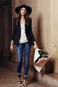 Haut Habillé Pour Soirée : comment porter la capeline noire 65 id es de tenue originale ~ Melissatoandfro.com Idées de Décoration