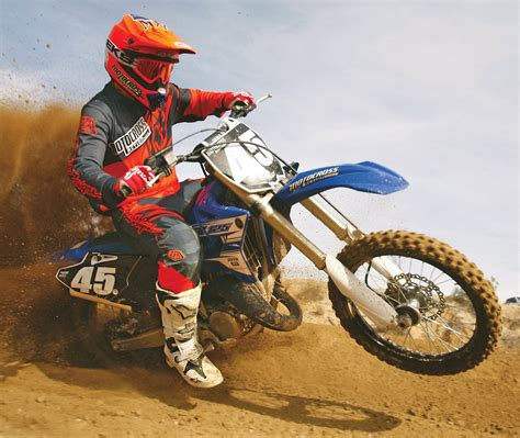 motocross action 2016 yamaha yz125 two stroke race test everything you