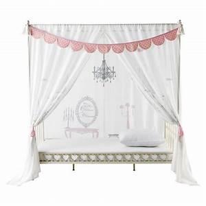 Lit Banquette Fille : ciel de lit rose pour d corer une chambre de fille en ~ Teatrodelosmanantiales.com Idées de Décoration