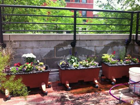 Learn About Earthbox Planters  How To Make An Earthbox