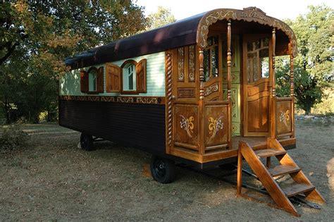 chambre d hote roulotte roulotte fabricant de roulottes roulotte a vendre