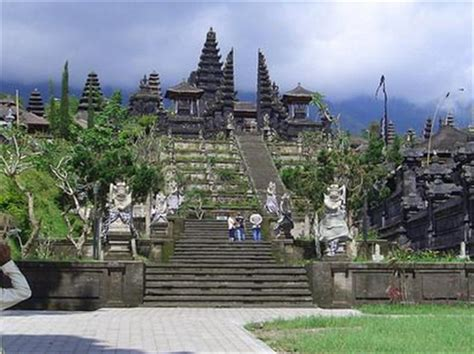 hindus top tourist attractions  bali