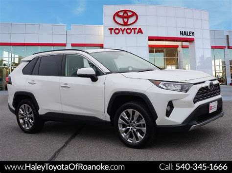 The toyota rav4 was one of the first modern crossover utility vehicles, and since its redesign in 2013, it's been an excellent fit for the habits of its most common buyers. Certified 2018 Toyota RAV4 For Sale - CarGurus