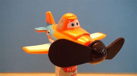 disney toys fan challenges disney planes dusty crophopper candy fan video toy review