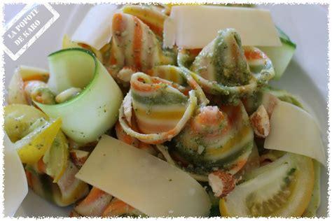 pates al dente moins calorique salade de p 226 tes et courgettes crues pesto d herbes au beaufort et aux amandes la popote de karo